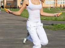 Keine Zeit fürs Fitnessstudio – mit kleinen Tricks fit im Alltag bleiben